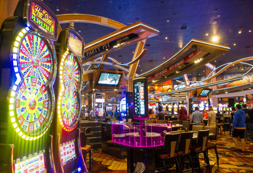 Apply These Eight Methods To Enhance Gambling